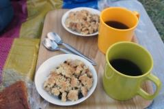 アップルクランブルと紅茶