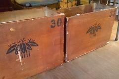 昔はこの木箱に帯を収納されていたそうです