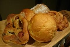 このまんまるパンの中にバームクーヘンが