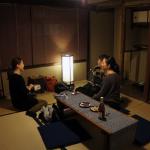 女子3名のグループ、表の間にて  A group at Omote room.