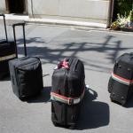 スーツケースの準備はOKです  Suitcases are ready to go.