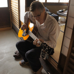 ご購入されたギターで、さっそく演奏会!  A guest from Australia who just bought a brand new guitar!