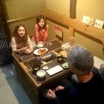ご家族で朝ごはんの様子A family from the UK at breakfast.