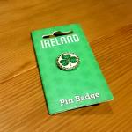アイルランドのシンボル、三つ葉のピンバッチをいただきましたA cute present from Ireland