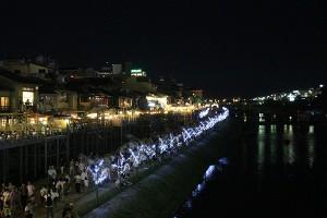 鴨川沿いのライトアップ