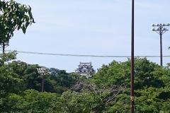 遠くに見える彦根城