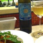 | デュエ・メッツォ | due e mezzo おいしいパスタとおいしいワイン