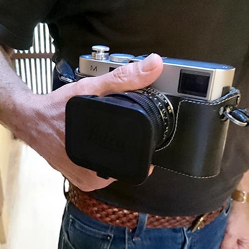 ご夫婦揃って素敵なLEICAのカメラをお持ちでした/A couple with their beautiful LEICA cameras